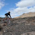 Im schwierigen Gelände unterwegs © Volcano Bike S.L. Fuerteventura