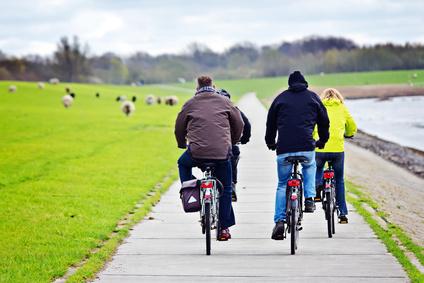 E Bike oder Trekkingrad © Fotimmz - Fotolia.com