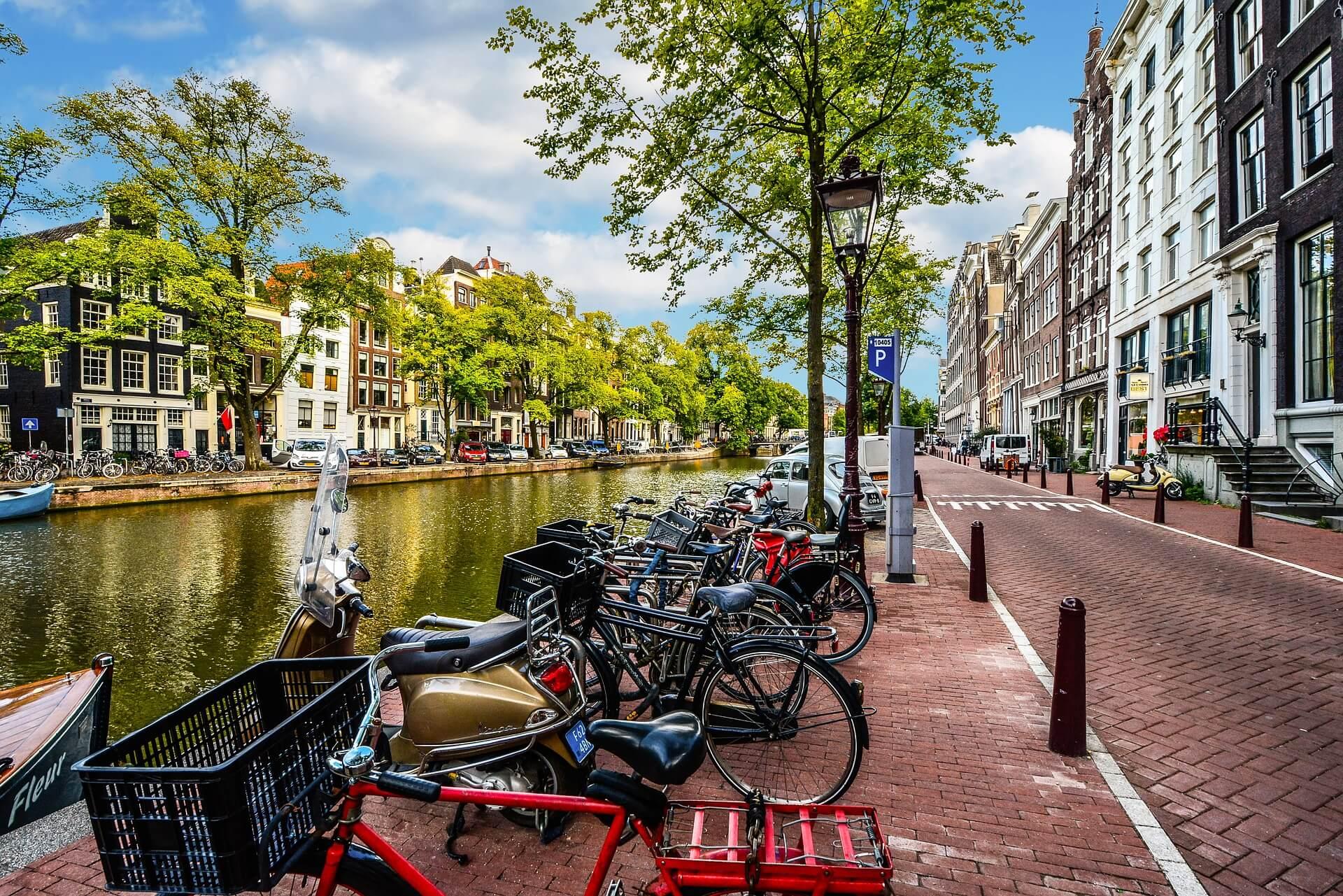 Mehr Bikes als Einwohner: Fahrradstadt Amsterdam
