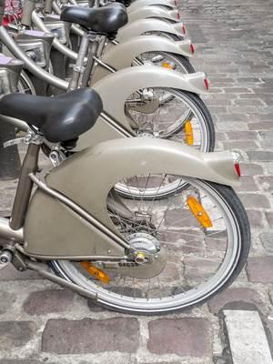 An der Fahrrad-Station © Roman Milert - Fotolia.com