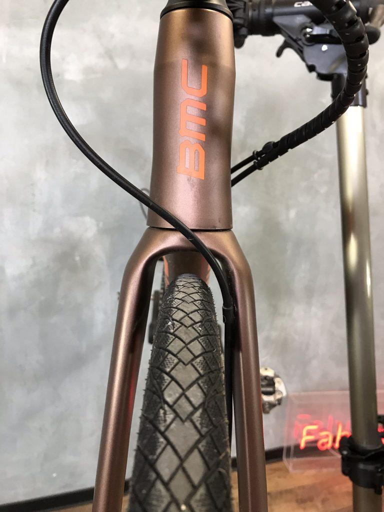 Viel Reifenfreiheit für die Reifen bei BMC