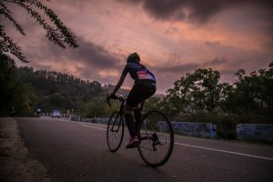 Wie viele Kalorien verbrenne ich beim Radfahren & mit E-Bike?