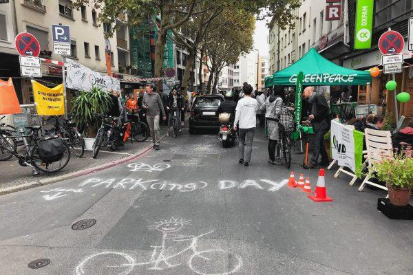 Die Straßen zurückerobern – Park(ing) Day 2018