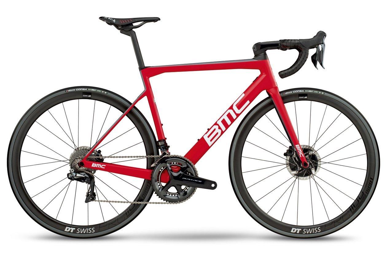 Rennräder wie die BMC Teammachine SLR01 Disc One sind Sportgeräte ausschließlich zum Fahren auf dem Asphalt.
