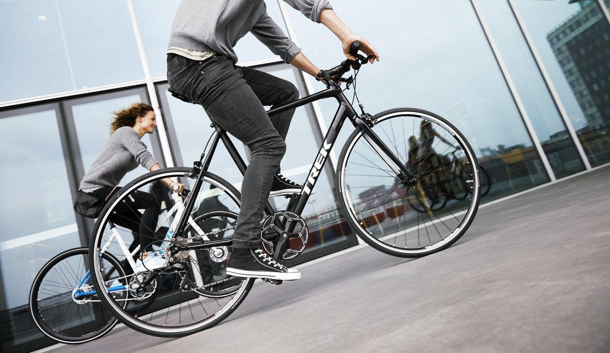 fitnessbike oder rennrad welches bike passt zu dir fahrrad xxl blog. Black Bedroom Furniture Sets. Home Design Ideas